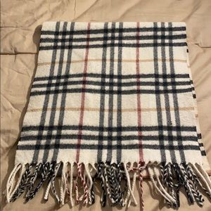 Burberry White checked Scarf